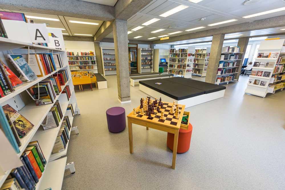 Oversiktsbilde over biblioteket